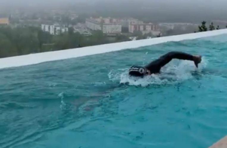 Frodeno aan het zwemmen.
