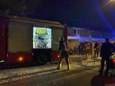Woningbrand in Hengelo met veel rook trekt bekijks