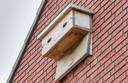 Beveland Wonen heeft bij de nieuwbouw in Kruiningen en Rilland gezorgd voor vervangende huisvesting voor gierzwaluwen, vleermuizen en huismussen.