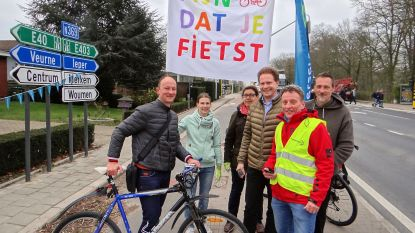 Fietsersbond applaudisseert voor fietsers op gevaarlijk kruispunt Woumenweg-Cardijnlaan