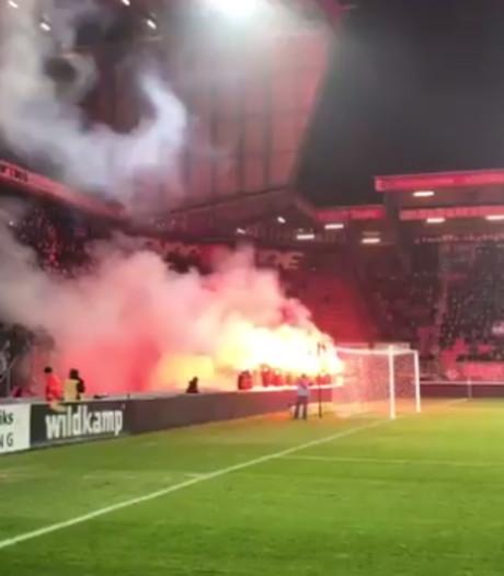 Eerbetoon aan Dik Wessels voor aanvang FC Twente - Ajax