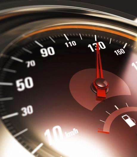 Rijbewijzen van vier hardrijders op de A16 ingevorderd