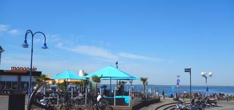 Paaltjes sluiten strandboulevard Harderwijk af voor auto's