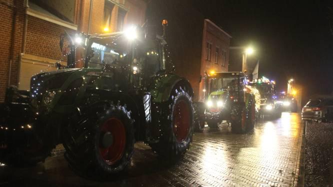 Parade van verlichte tractoren trok door de straten van Pepingen