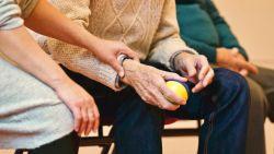 Van deze vijf dingen hebben mensen het meeste spijt, getuigt palliatieve zorgverlener