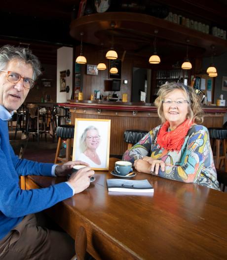 Anna & Gé Schmidt gebundeld, een vrolijke kroniek over het verdriet van Lent