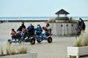 Gezellige drukte op de Zeedijk (photo by Florian Van Eenoo/Photo News)
