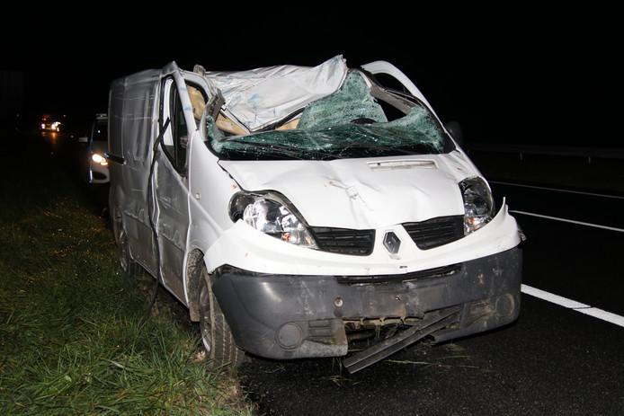 De auto raakte bij het ongeluk flink beschadigd.