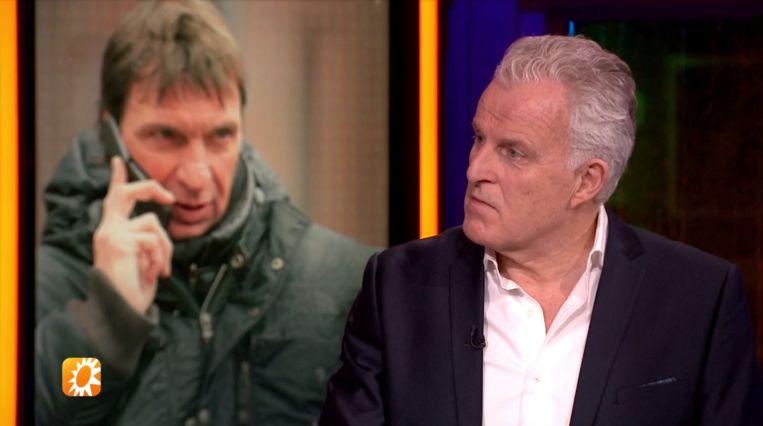 Peter R. de Vries licht de Holleeder-tape toe tijdens een special van 'RTL Boulevard'. Beeld RTL 4