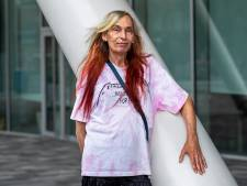 Aoife (68) wordt op straat regelmatig met de dood bedreigd in het 'homovriendelijke' Nieuwegein