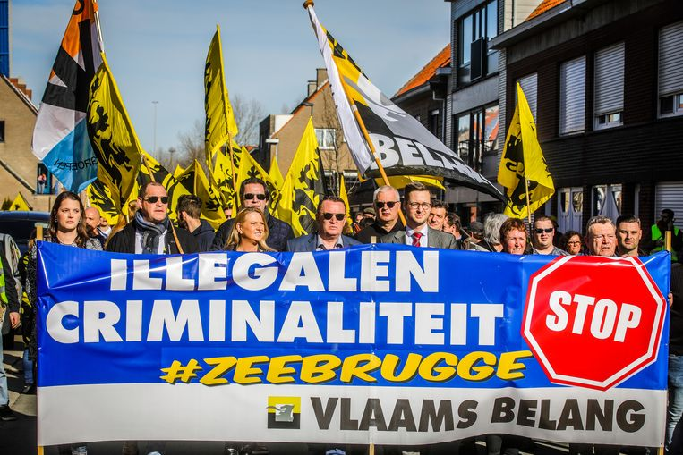 Ook leden van Vlaams Belang daagden op.
