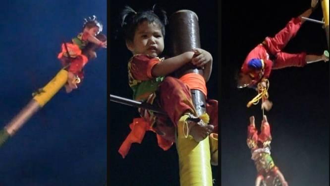 Peuter aan paal vastgebonden en negen meter de lucht in gekatapulteerd: religieus festival zorgt voor controverse