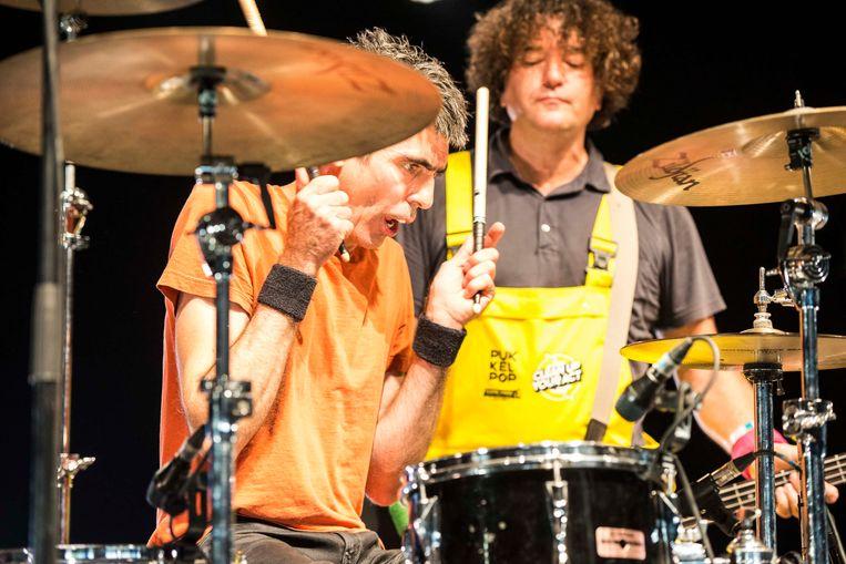 Drummer Todd Trainer. Beeld Koen Keppens