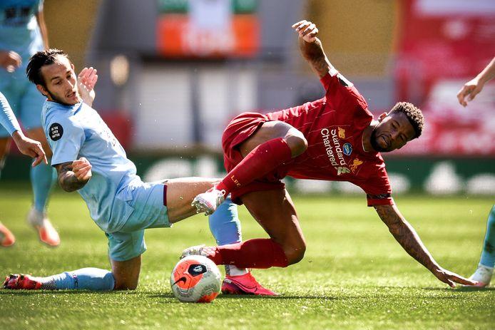 Georginio Wijnaldum in actie tegen Burnley.