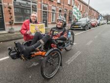 Sjaak (69) fietst mét een dwarslaesie nog wekelijks zestig kilometer: 'Anderen moeten beoordelen of ik een held ben'
