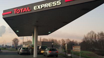 Tanktoerisme floreert aan beide kanten van de grens