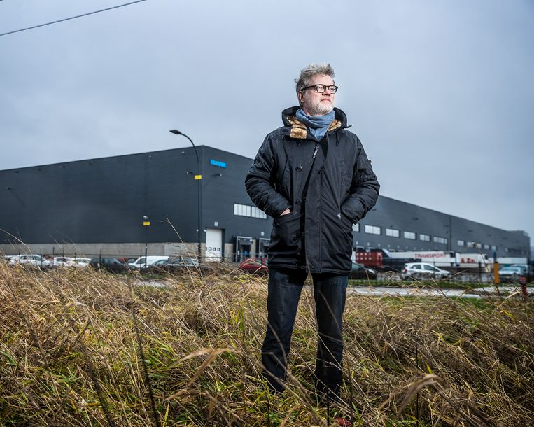 Jeroen van Bergeijk heeft 5 weken undercover gewerkt bij een distributiecentrum van bol.com. Beeld Jiri Büller
