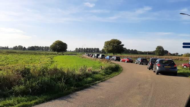 Muurvaste A2 bij Den Bosch zorgt voor lange rijen bij pont Alem