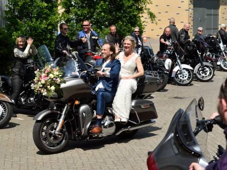 Harley-huwelijk in Hazerswoude-Dorp