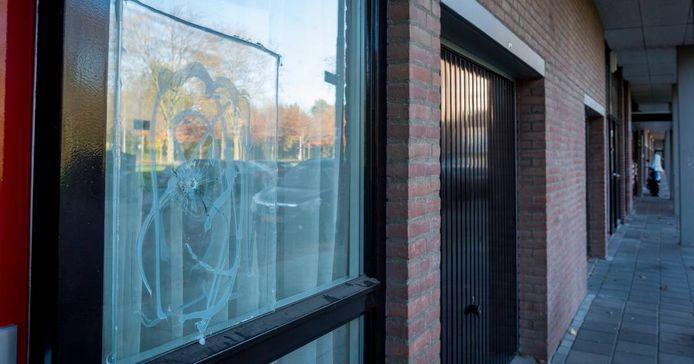 De beschoten woning aan de Echternachlaan in Eindhoven