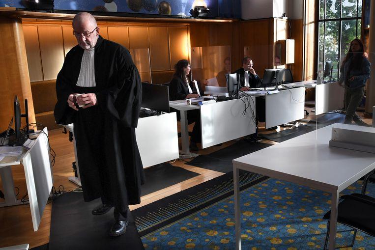 22 personen komen in verzet tegen boetes die hen werden opgelegd voor het overtreden van coronaregels in Nijmegen, Arnhem, Tiel, Culemborg, Brakel, Duiven en Groesbeek.  Beeld Marcel van den Bergh / de Volkskrant