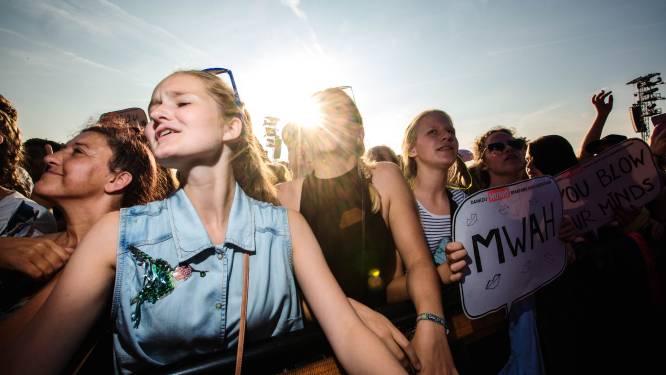 """Verdienen jongeren eerst hun prik? Van Ranst: """"De jeugd is de toekomst, laat het ons dan maar tonen"""""""