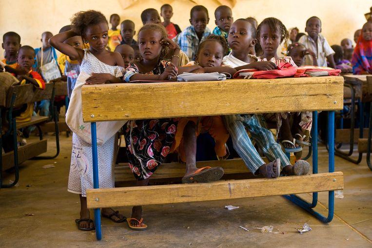 Onderwijs in een klasje van de woestijnstad Gao. Beeld Kris Pannecoucke/Hollandse Hoogte