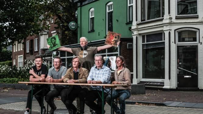 Onbeperkt wodka en leverworst, en nog gratis ook, op Ulfts FoefelFestijn: 'Doen iets terug voor de mensheid'