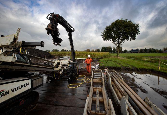 Netbeheerder Tennet begint in Oirschot met de aanleg van een ondergrondse 150 kilovolt stroomkabel die onder meer komt te liggen in natuurgebied het Groene Woud.