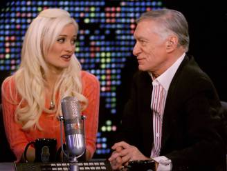 Depressie, geen bevrediging en het Stockholm-syndroom: Holly Madison openhartig over relatie met Hugh Hefner