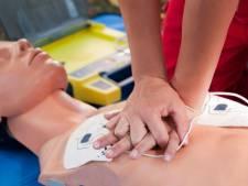 Elke 500 meter een AED: Drimmelen is 'hartveilig'