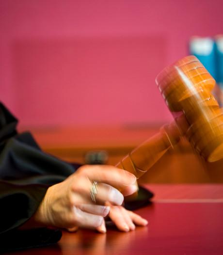 Zedenverdachte uit Apeldoorn biecht zelf vergrijpen op bij ouders slachtoffer