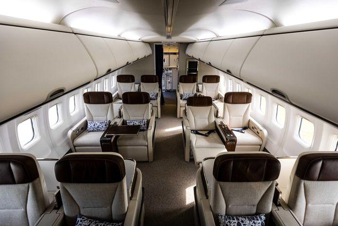 'Ondanks de zakelijke uitstraling is het toestel nog steeds herkenbaar als Nederlands', aldus Fokker-directeur John Pritchard.