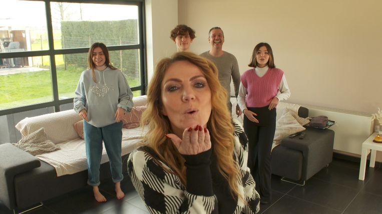 Nicky en haar gezin. Beeld SBS