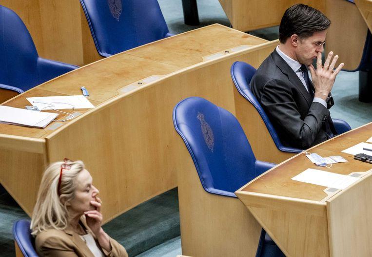 Mark Rutte (VVD) en Sigrid Kaag (D66)  in de Tweede Kamer tijdens een debat over de mislukte formatieverkenning. Beeld ANP