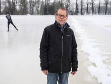 'Mister ijsbaan' Frans Broshuis (77) uit Hengevelde is nog altijd als eerste op de baan en als laatste weer weg