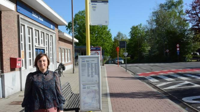 """Hospitaaltaxi tussen Temse en AZ Rivierenland moet gebrek openbaar vervoer oplossen: """"doekje voor het bloeden"""", zegt actiecomité"""