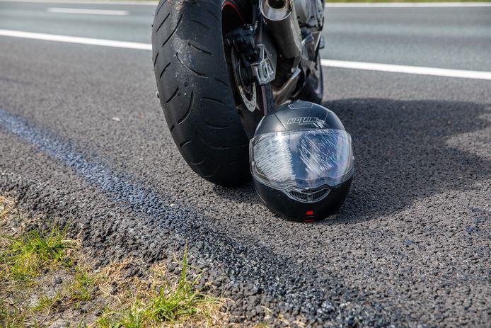 De schade aan de motor en de helm is aanzienlijk