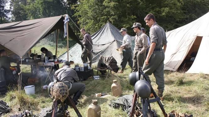 Duitse en geallieerde troepen slaan kampen op aan casino van Gompel: re-enactors tonen het leven van de soldaat tijdens WO II