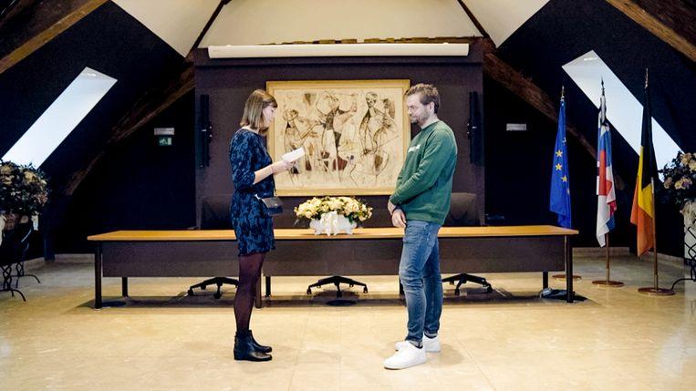 Nathalie en Dennis in 'Blind getrouwd'. Beeld VTM