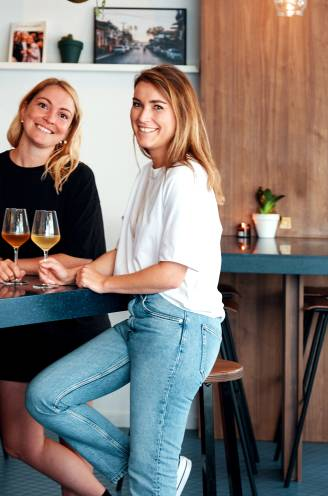 """Ze dachten dat hun vegan restaurant in Antwerpen nooit zou werken, nu zit het stampvol: """"Veel mensen hebben het niet eens door"""""""
