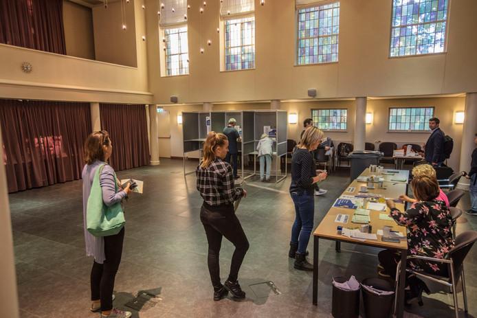 Stemmen voor of tegen annexatie van Nuenen door Eindhoven in Het Klooster in Nuenen.