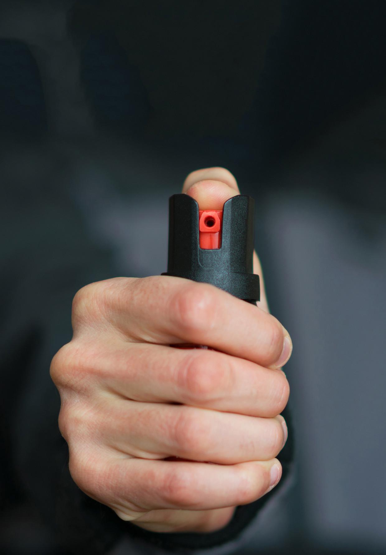 De BOA Bond wil boa's uitrusten met pepperspray en een wapenstok.