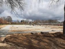 Onvrede over enorme fietsenstalling van school achter woonhuizen en zorgcomplex in Silvolde