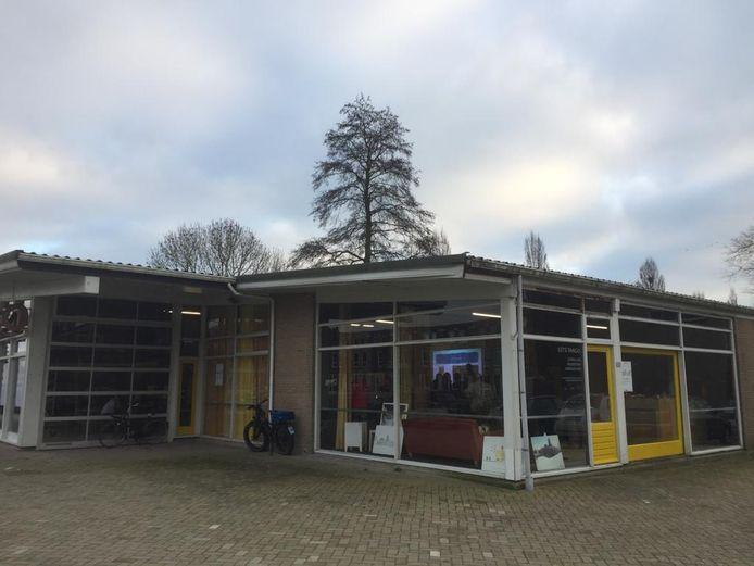 De tango-garage in Zoetermeer is omgebouwd tot praktijkplek voor techniekonderwijs. Het heet Let's Tango.