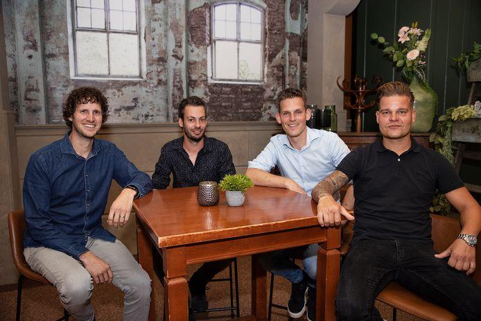 Na tien jaar komt percussiegroep TREM bij elkaar voor een reünieconcert. Van links naar rechts Ruud van Vroonhoven, Martijn van Vroonhoven, Tim Lomans en Erik Urlus.