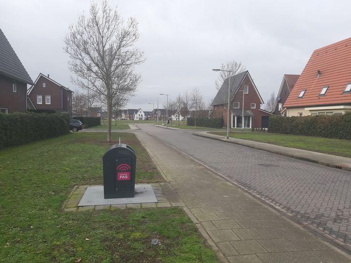 Langs het Germanenveld in de Amerikaanse Wijk in Schuytgraaf biedt de container de meestal gebruikelijke, schone aanblik.