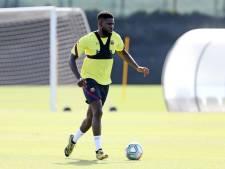 Umtiti traint mee bij eerste groepssessie Barça
