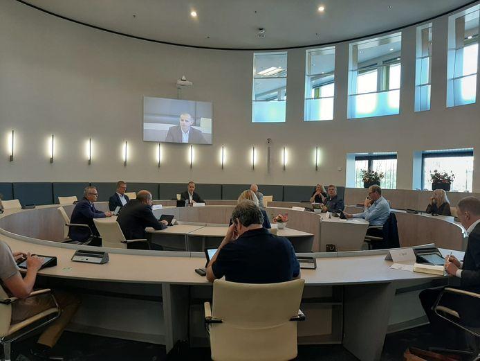 De betrokken partijen vergaderen over Laborijn in de Doetinchemse raadzaal. (Archieffoto)