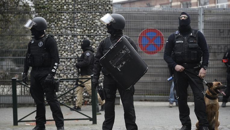 Salah Abdeslam werd vandaag opgepakt in de Vierwindenstraat in Sint-Jans-Molenbeek. Beeld belga